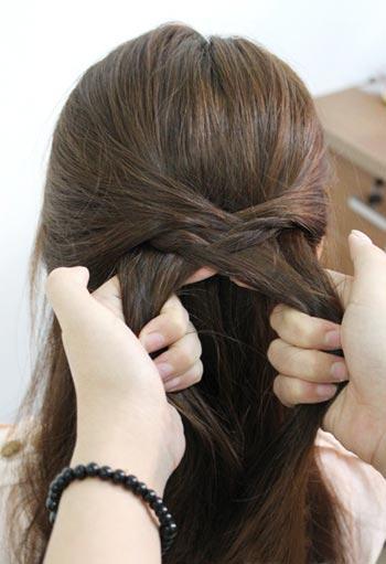 прическа с 2 косами