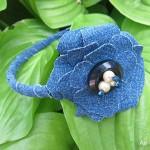 Переделка старых джинсов: цветочный ободок